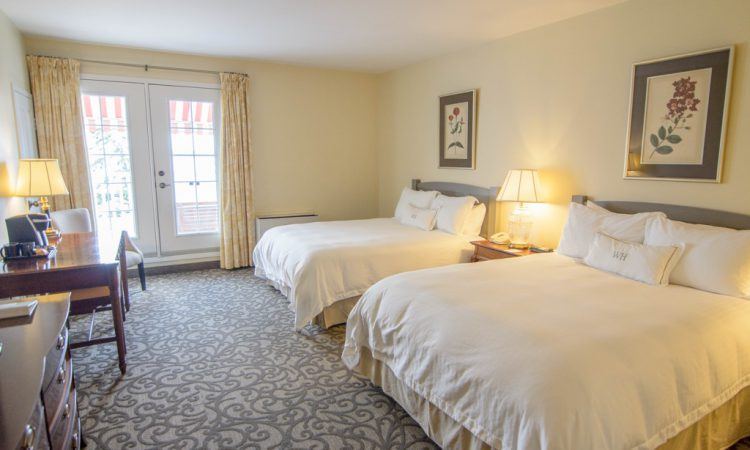 WH Lakeview room